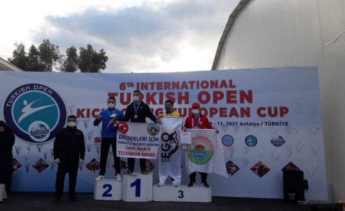 İlkadım Kick Boks Takımı Antalya'daki Turnuvayı 6 Madalya İle Kapattı